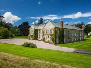 The Devon Manor House - sleeps up to 16