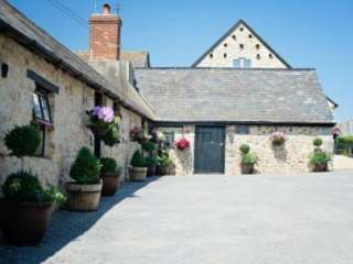 Sleeps 4 Luxurious Barn near Axminster