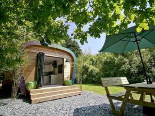 Sunridge Luxury Ecopod with Hot Tub - Devon
