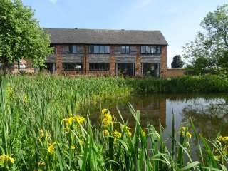 Buttercups Haybarn 5 Star Cottage with Indoor Pool & Toddler Play Area, Shropshire,  England