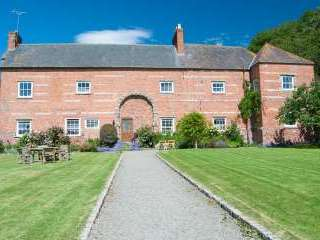 Bach y Graig Farmhouse