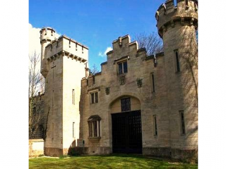 The Castle, West Wiltshire - Wiltshire