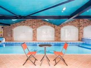 Pool House, Manor Barn