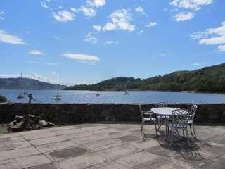 Loch Melfort is a sea loch .