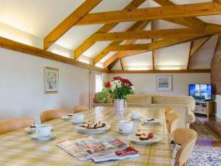 Family friendly holiday cottage in Cornwall with pool