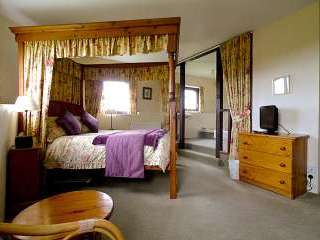 Sandymouth Cottage bedroom