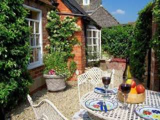 Luxury self catering cottage accommodation wiltshire