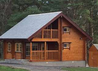 Red Squirrel Log Cabin