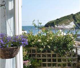 2 bedroom holiday cottage by beach in north Devon