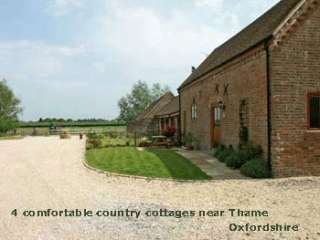 Cottage with double bedroom, 2 twin bedrooms, 2 bathrooms near Thame