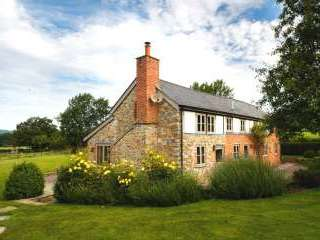 Little Canwood House,5* holiday let with Free WiFi, Games room and BETTER PRICES - Herefordshire
