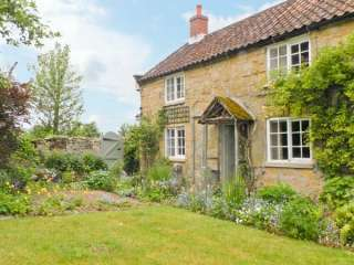 1 Corner Cottages, Dogs-welcome, North York Moors and Coast , Yorkshire,  England
