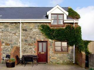 Dog-Friendly Kilmore Quay Cottage
