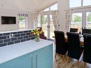 Bluebell Wooden Lodge