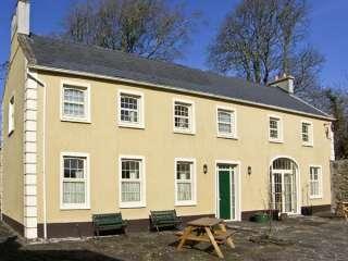 Coach House Cottage near the Burren Park