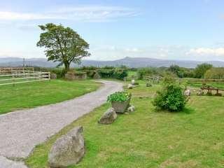 Bwthyn Bach Farmstay, Pembrokeshire Coast National Park