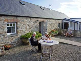 Bwthyn Bach Farmstay, Pembrokeshire Coast National Park - Pembrokeshire