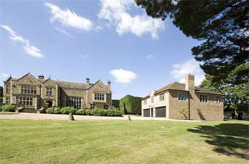 Luxurious Lodge Liphook Hampshire
