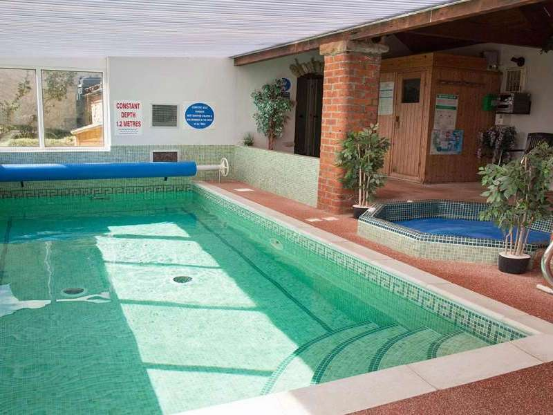 Mel house cottages with swimming pool pickering near scarborough yorkshire north york moors for Indoor swimming pool scarborough