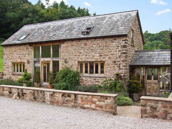 The lodge farm barn family cottage deepdean for Family cottages