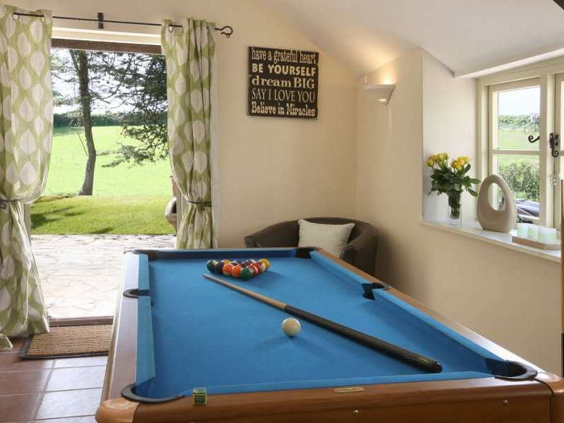 Cherry Tree Farmhouse Halse Somerset Exmoor National Park England - How big of a room for a pool table
