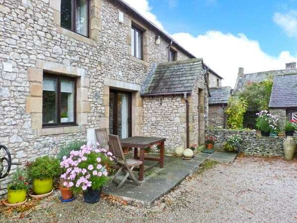 Wellgarth family cottage newby cumbria the lake for Family cottages