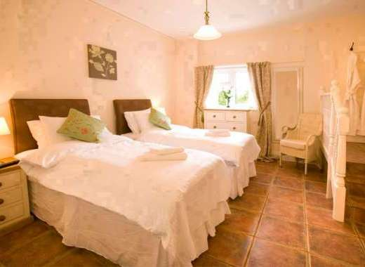 Millgrove house taunton somerset west country england - Holiday homes in somerset with swimming pool ...