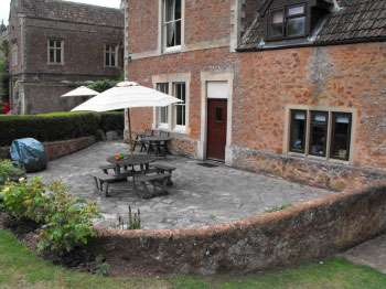 Somerset self-catering apartment with use of pool sleeps 2
