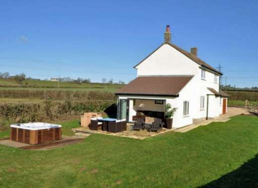 Rural cottage with hot tub