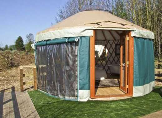 Lakeside Yurt for two, Worcestershire