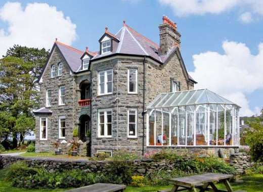 Pensarn Hall Dogs-welcome Cottage, Snowdonia North Wales