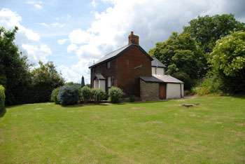 country cottage near kington