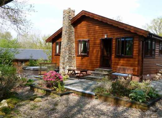 Milk Wood Lodges: Wnion Wood