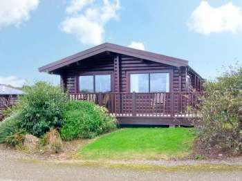 Ty Pren Pet-Friendly Log Cabin, South Wales