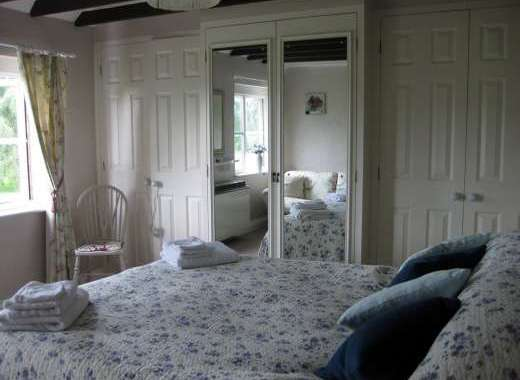 bright and airey large double bedroom with kingsize bed