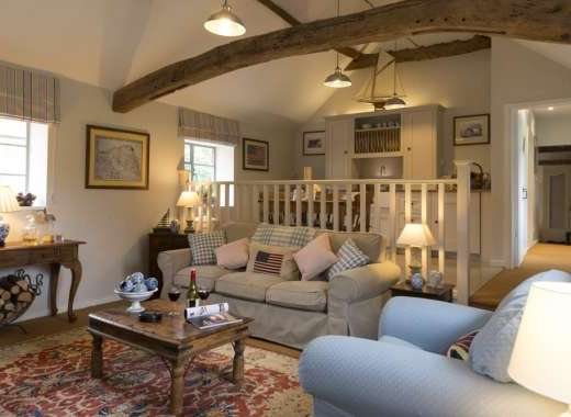 Self-catering with cosy open plan area