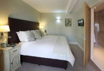 Ash Cottage 5 Star Luxury Super-King Sized Ensuite Bedroom