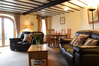 Luxury 5 star pet friendly cottage with private Jacuzzi Hot Tub lake district