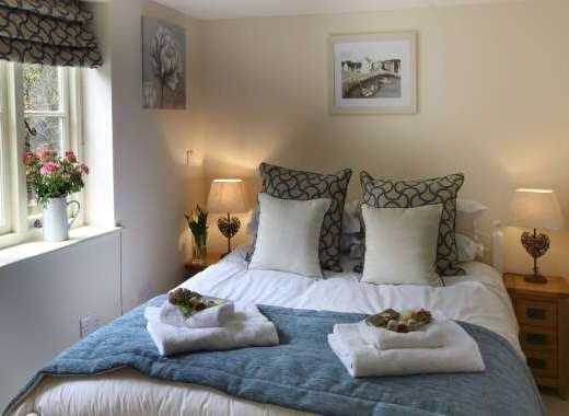 Downstairs Double Room, With En-Suite Facilities, TV and DVD