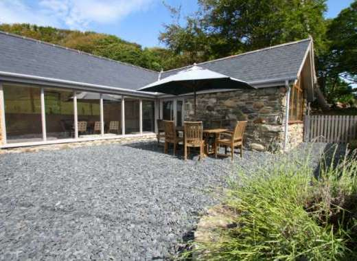 Luxurious 3 bedroom barn conversion in coastal Snowdonia
