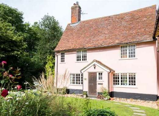 Picture-perfect Suffolk country cottage