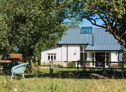 Skylarks, idyllic Suffolk barn conversion