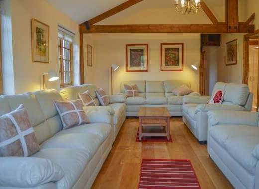 luxury big holiday cottage Cotswolds