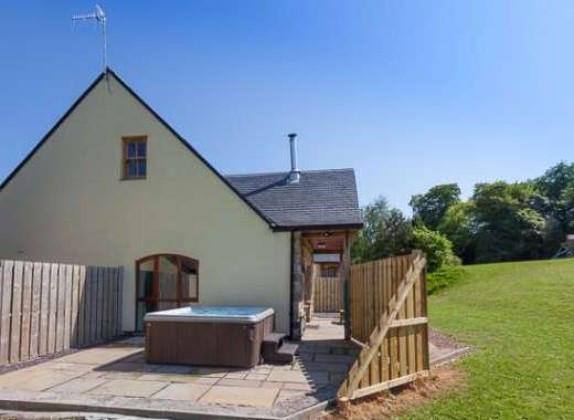 Beech Cottage with Hot Tub