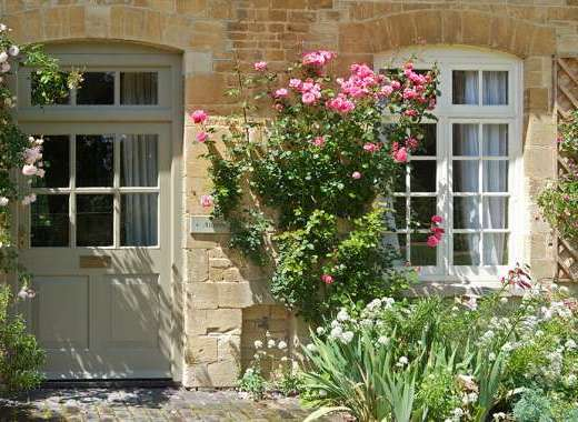 Picture perfect Aintree Cottage in the Cotswolds