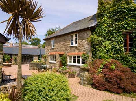 Courtyard Cottage Sleeps 4