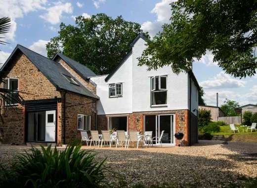 Somers Hiscott Sleeps 12 near Barnstaple