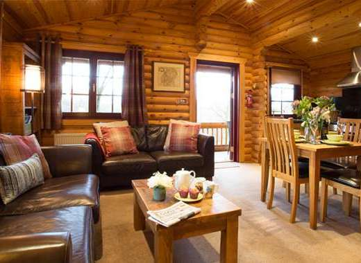 Kate's Log Cabin