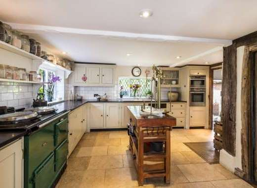 farmhouse kitchen countryside self-catering accommodation
