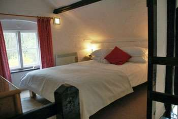 holiday cottages in Woodbridge Suffolk with period features and comfortable rooms